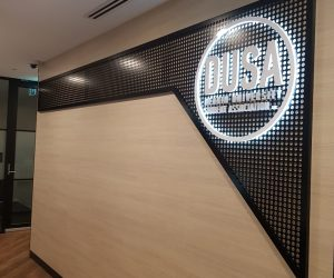 Deakin Uni Waurn Ponds 3D Illuminated Halo Lit back Lit fabricated office reception 3