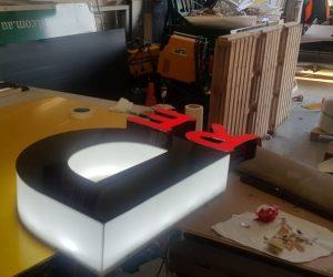 Legoland repair to existing sign 3D illuminated _ non illuminated letters 2