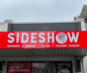 Sideshow Burgers Pushfit illuminated and window graphics 3